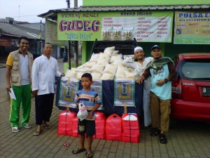 Fasilitasi Kebutuhan Kader, DPRa Jatiasih buka warung beras