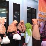 Sayangi Yatim, Janda dan Dhuafa, PKS Jatiluhur Bagikan 40 Juta Rupiah dan 400 Paket Sembako