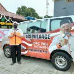 Hadiah Kemerdekaan, DPC PKS Jatiasih Luncurkan Mobil Ambulans untuk Pasien Covid